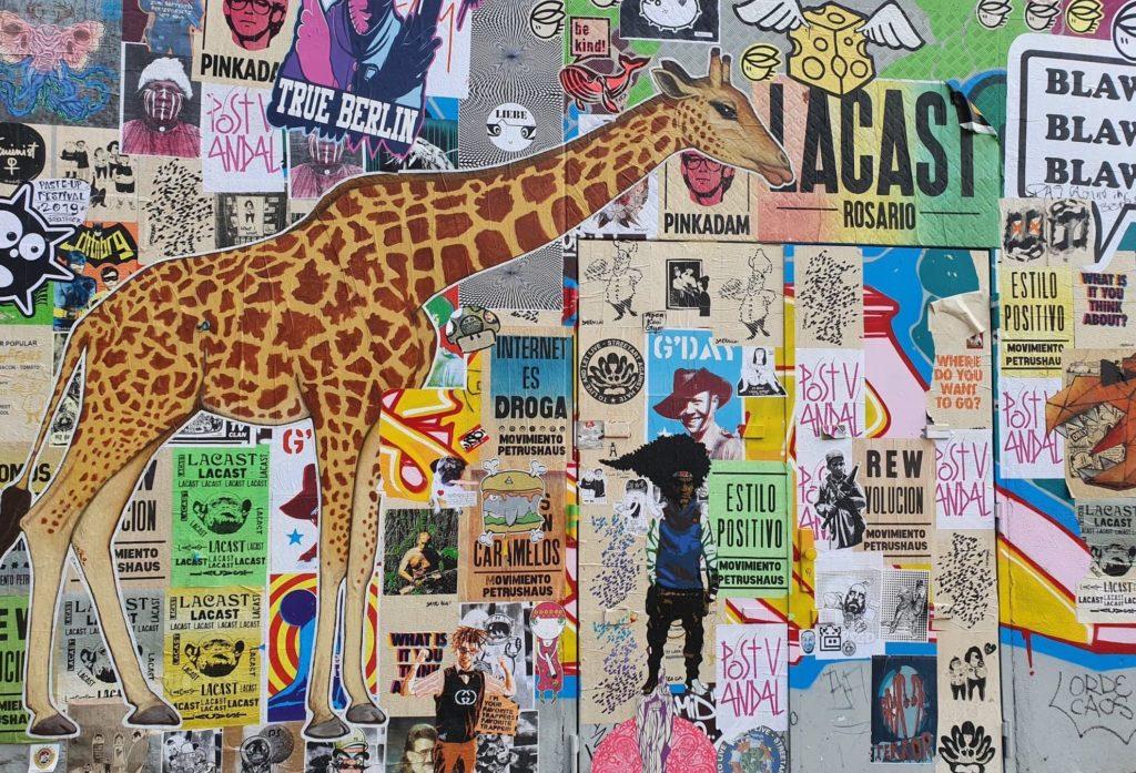 Mur de stickers - Crédit : Justine Briot